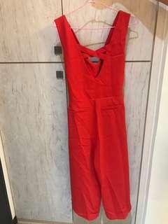 🚚 紅色顯白連身吊帶褲
