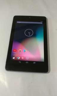 二手ASUS Nexus 7四核心32GB 7吋 3G+WiFi