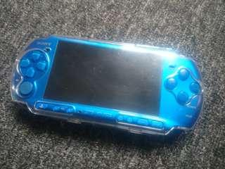 PSP 3K complete with 10+ game.