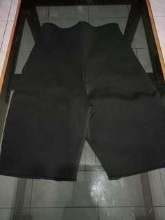 Korset celana