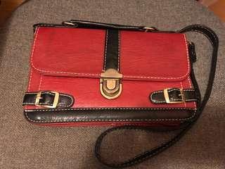 紅黑色細斜孭袋 15cm x 24 cm Small Size Cross-body Bag in red and black color