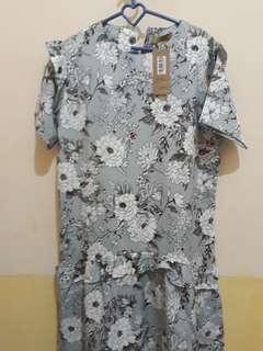 Floral grey ruffle dress