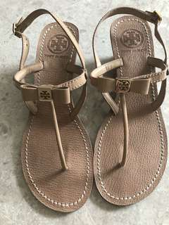 4ed0cce32224 Tory Burch open toe bow sandal
