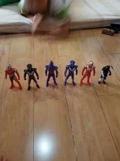 Ultraman Figurine Take All