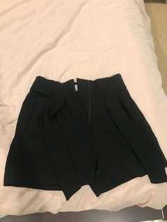 H and M high waisted black shorts size 6