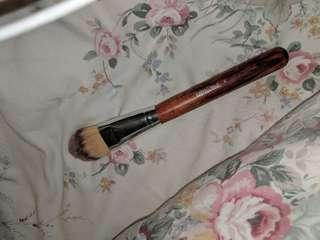 Foundation brush by fake face