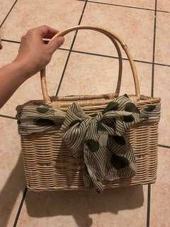 Famous rattan hand bag