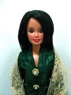 1998 RARE kebaya Barbie Special Series