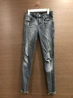 🚚 Zara 34 黑灰色 彈性超大牛仔褲