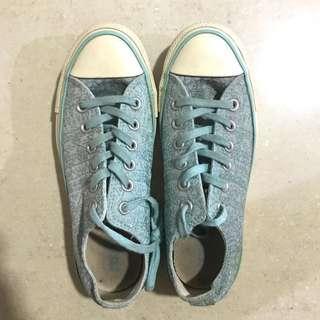 Converse glitter edition