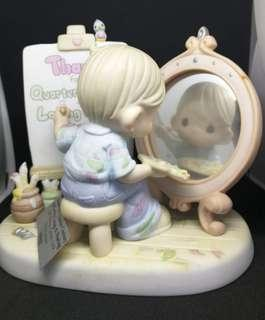 Little painter with mirror