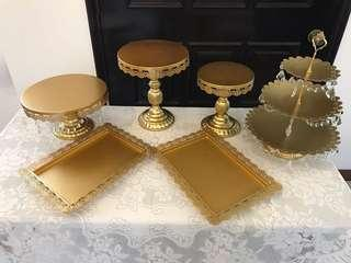 Golden Set - cake stand, dessert tray and cupcakes stand ( Rent)