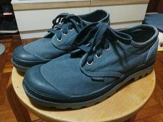 Palladium 藍色布鞋
