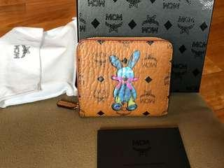 New MCM zipper compact wallet with cards and box