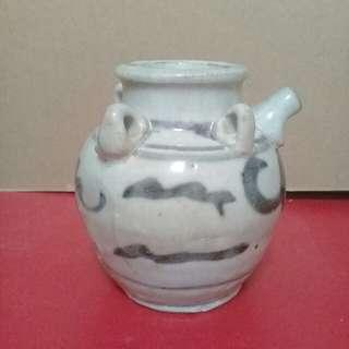 Vintage chinese blue and white wine jar