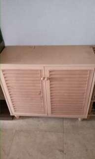 [USED] 2 DOORS SHOE CABINET AND SHOE RACK