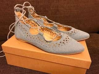 🚚 藍色綁帶雕花舞鞋