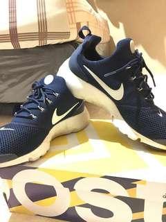 Nike presto fly navy size 44.5