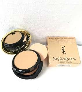 Bedak Foundation YSL