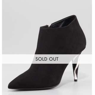 Giuseppe Zanotti black suede ankle booties size 36.5 / 6.5
