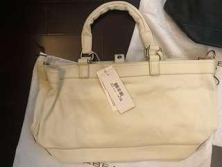 $580[👜💯%New and Real, 全新及正品 ] Rabeanco Leather White Hand bag(with strip) /白色真皮手袋 (有附肩帶)