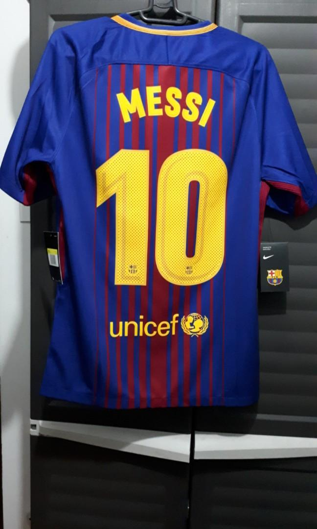finest selection 7fd17 6bcf5 Authentic 2017-2018 FC Barcelona Messi Home Kit on Carousell