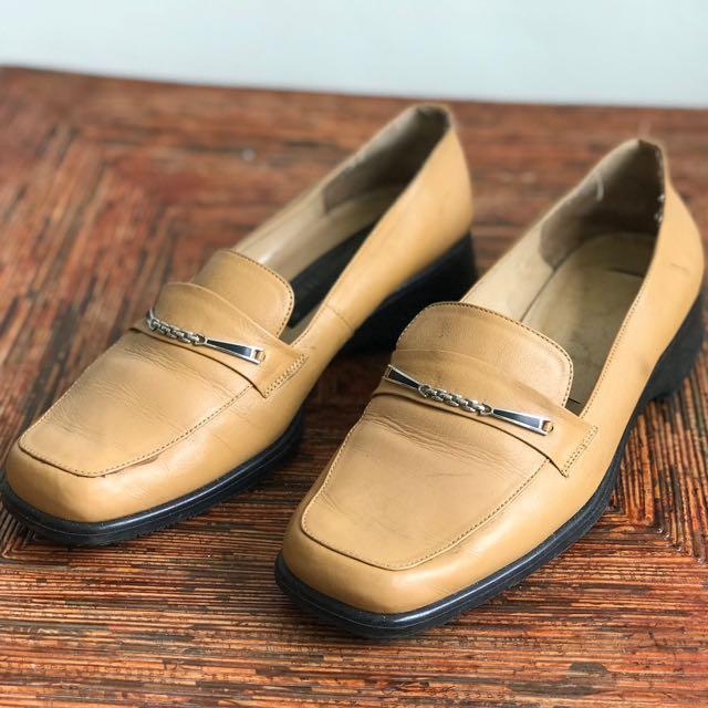 Buccheri pantofel loafers nude brown 38  123moveon ec5e7e064c