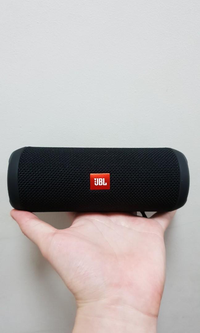 JBL flip 3 Black bluetooth portable speakers