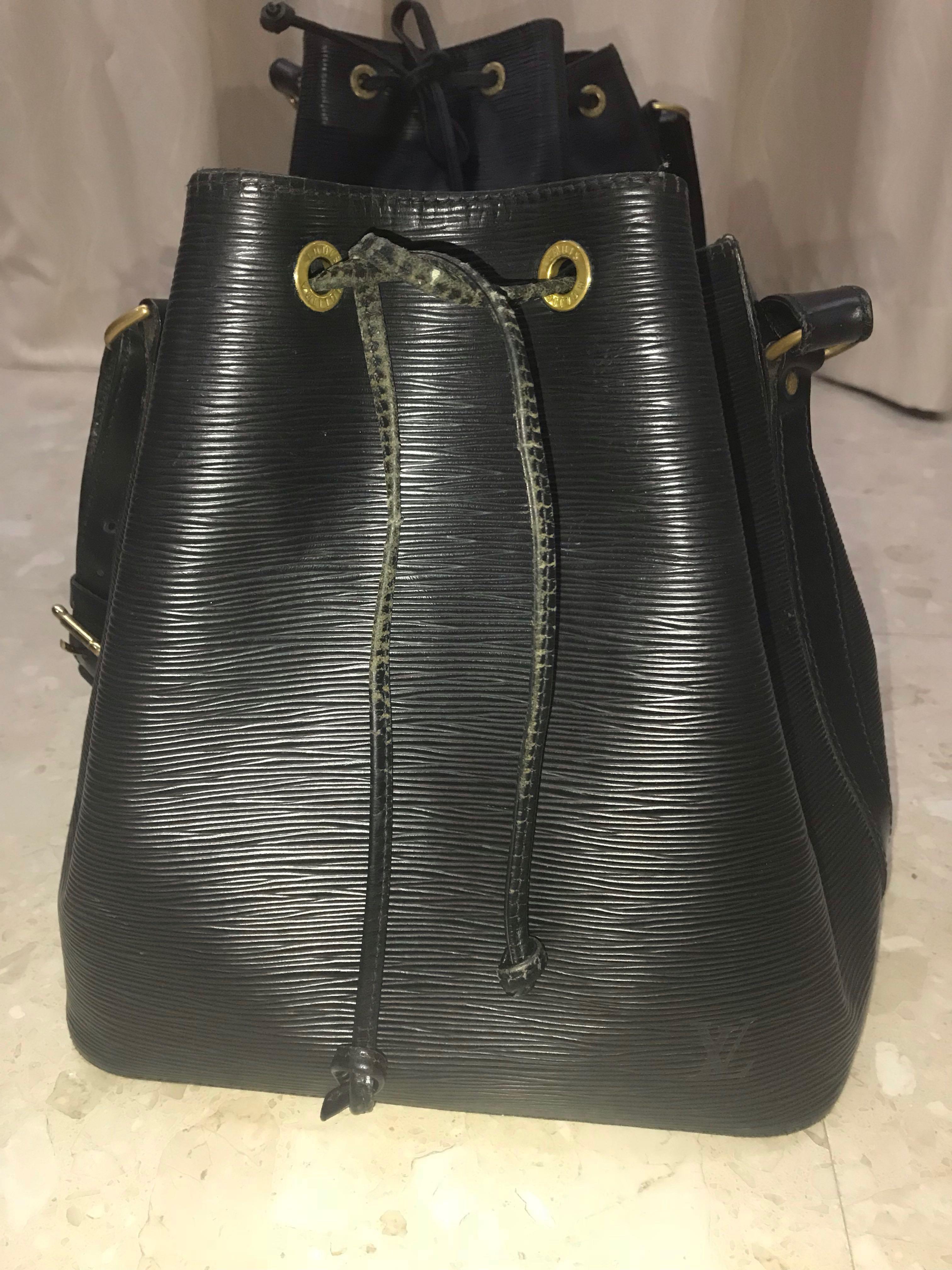 12f059f429cf LV Epi Petit Noe Bag