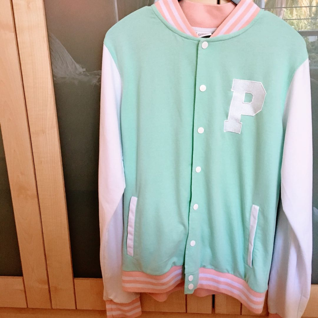 73ad16b68 Pusheen Varsity Jacket, Women's Fashion, Clothes, Outerwear on Carousell