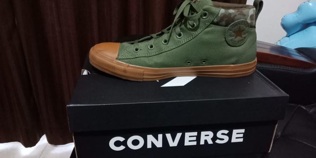 98e72267c3de Sepatu Converse original