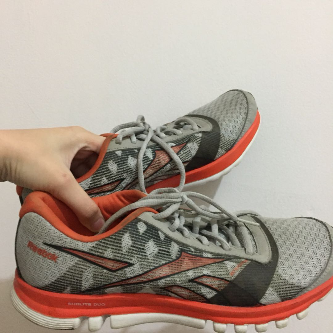 sepatu running reebok empuk bgt 53413e95e5