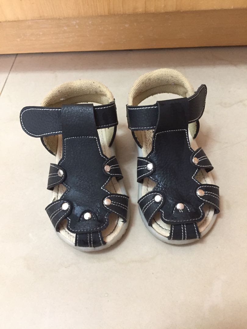 Sepatu Sandal Anak Laki Perempuan Black Walker Prewalker Shoes, Babies & Kids, Boys' Apparel, 1 to 3 Years on Carousell