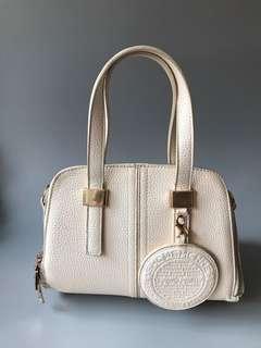 🚚 Woman Beige Handbag