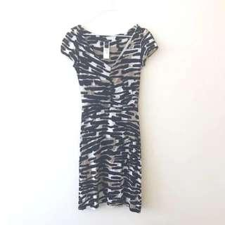 🚚 BNWOT Mango MNG SUIT Taupe Brown Black And White Brush Stroke Prints Short Sleeve Dress