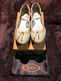 Brand new Tod's beige color ballet Dee with ties driving shoes 芭蕾舞 豆豆鞋 size 39.5