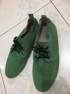 Sepatu beludru Hijau size 43 MASTER DENIM