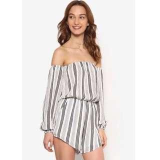 Zalora off shoulder stripe playsuit 一字肩露膊連身褲