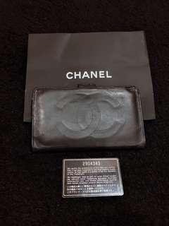 Preloved Chanel compact wallet size 17x9cm black lambskin ghw #2 with holo,card and paperbag