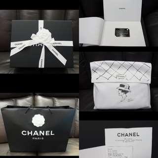 Chanel 經典黑色羊皮淩格金扣