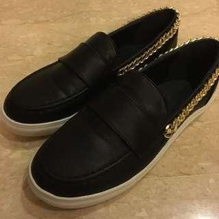 Chained slip ons