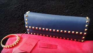 Excellent Valentino rockstud bangle clutch with cards and db