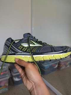 Brooks runners AS NEW