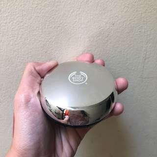 Compact powder - The Body Shop
