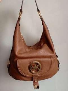 REPRICED!!! 💯 % Authentic Michael Kors MK Fulton bag, not Kate Spade Coach LV YSL