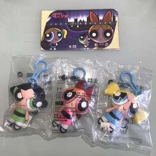 2002年「飛天小女警 (The Powerpuff Girls)」地鐵紀念車票(一套四張)連3個飛天小女警布公仔匙扣 MTR Souvenir Ticket Set (4 tickets & 3 Keychains)