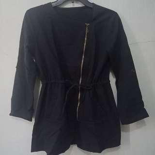 Atasan model parka (blouse)