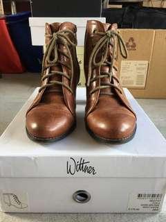 Wittner Dark Brown Waxy Nappa Boot