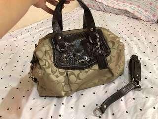 Coach shoulder bag (original)