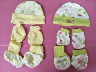 Bundle of baby mitten & bootees & hats